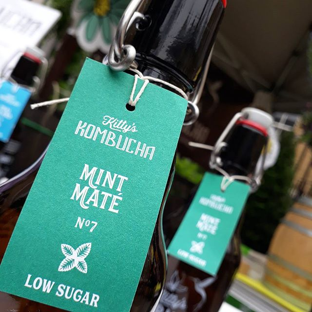 MINT MATE  NO.7  Low in sugar... zingy & clarity for the mind.  Fresh and clean peppermint notes meet the smokiness of energising Argentinian yerba maté, sustained by a light fruity punch.  Hand crafted with organic green sencha tea and cane sugar,  Mint Maté  is a traditionally brewed kombucha in oak barrels, infused for 2nd fermentation with an all-organic tisane (herbal tea) of peppermint, yerba maté, ginger and red hibiscus.  And with less than 2.5g of sugar per 100ml, it's  low sugar  & perfect mental medicine!  Enjoy cold, perfectly as it is...  Alternatively, create a fresh mixer on rum & ice, or whichever way you wish