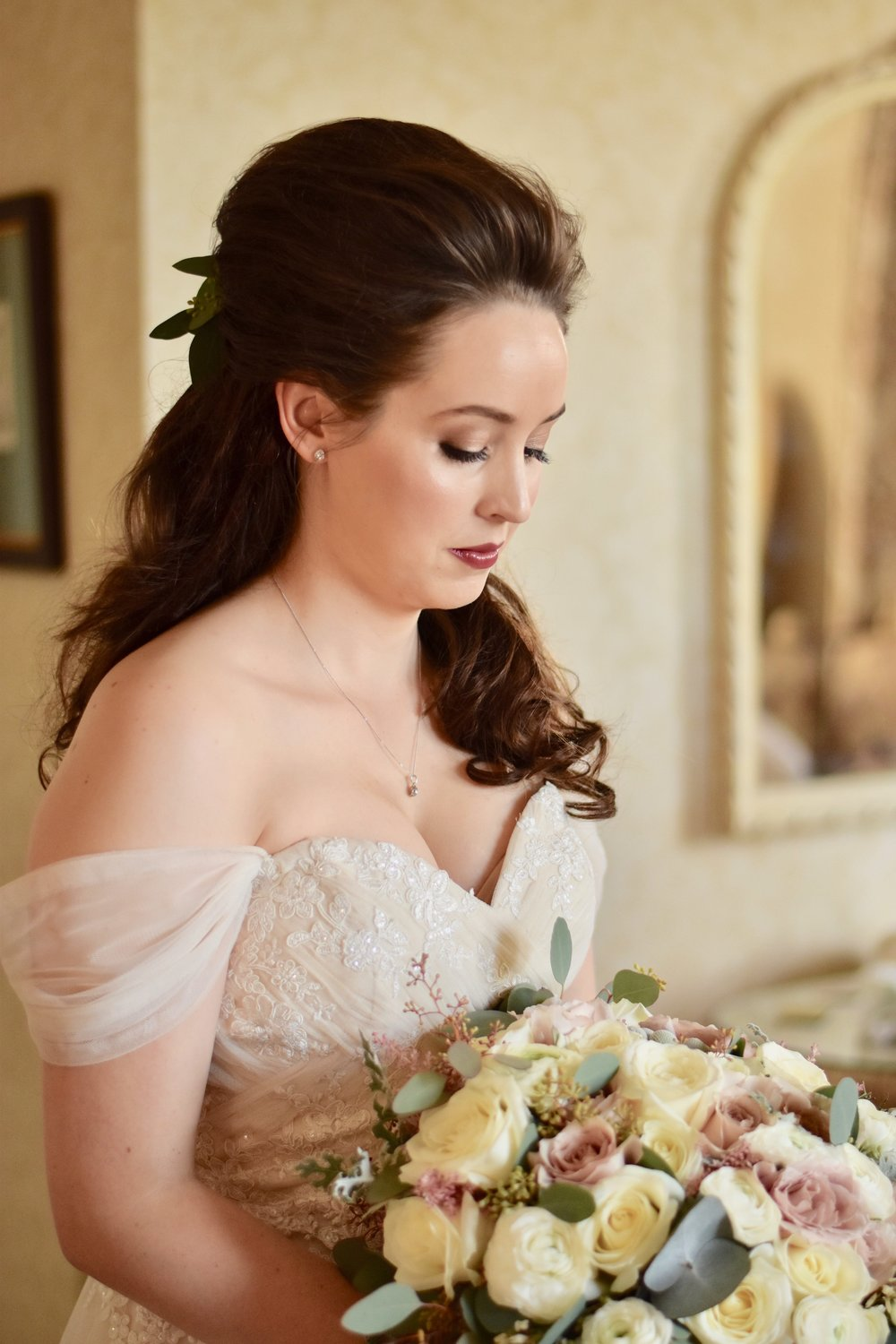 Real Brides on their wedding day. Very natural and beautiful-min.JPG