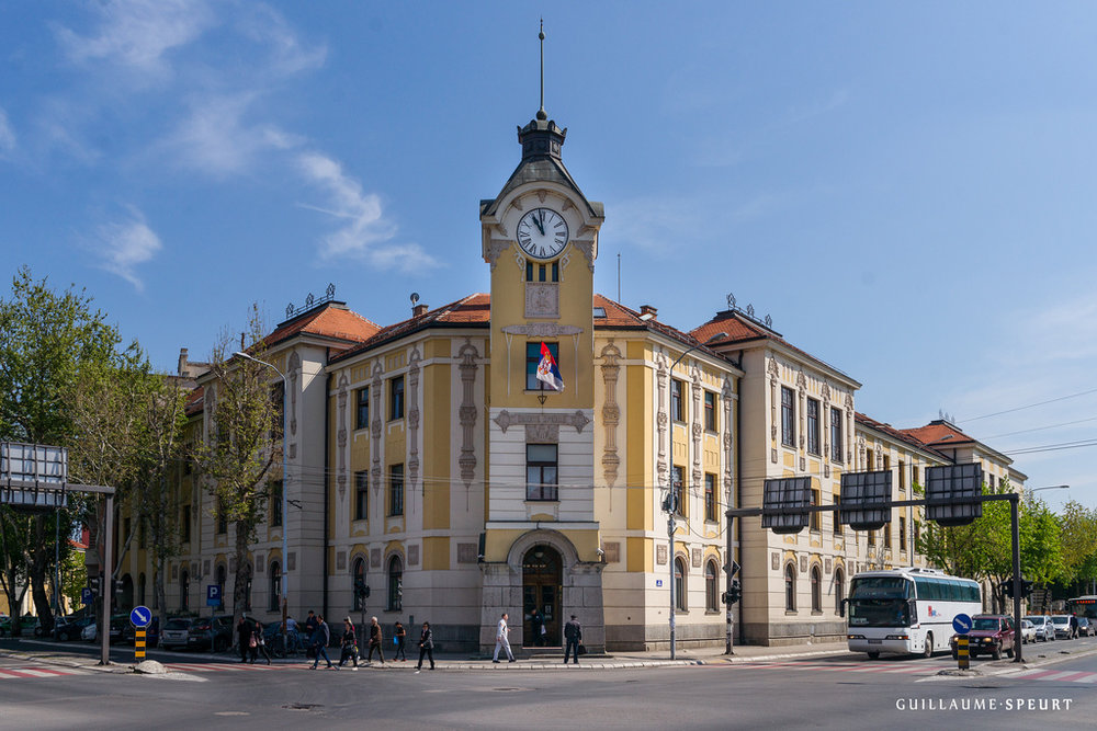 Nis town hall.jpg