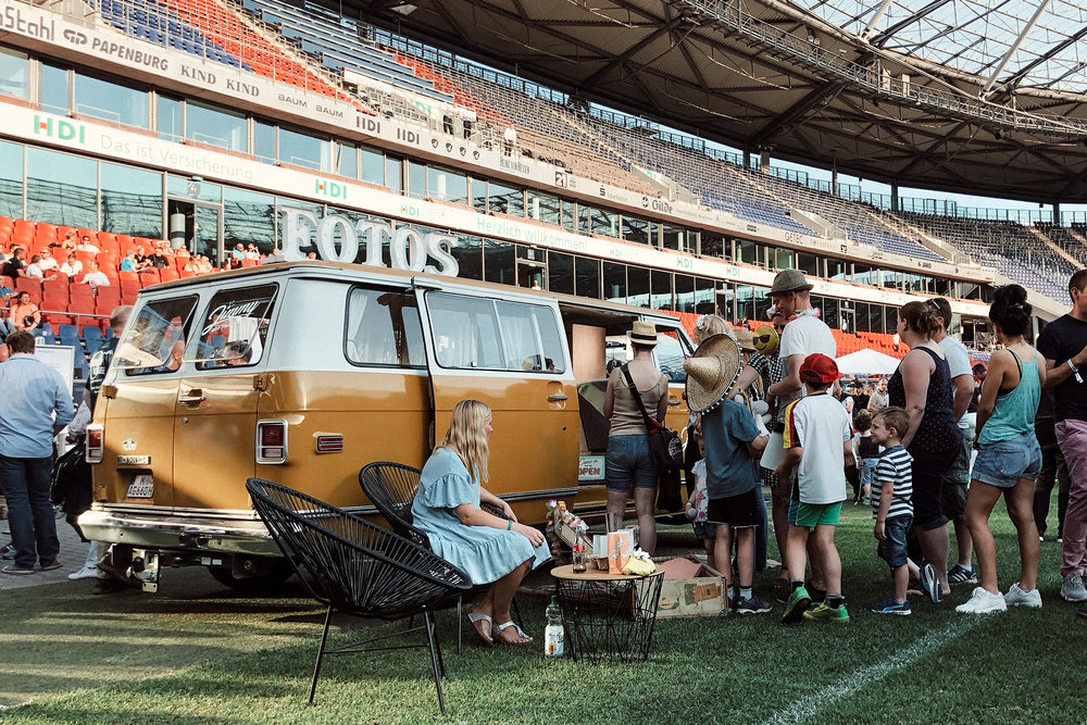 Fotobus-Jimmy-Fotobulli–Event-Fotobooth-V02.jpg