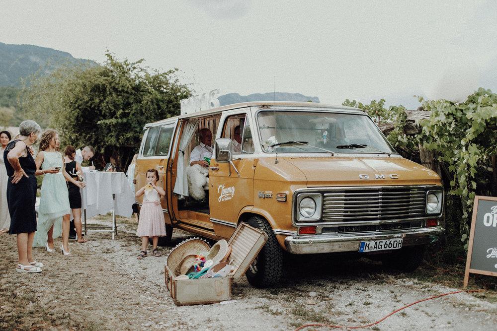 Fotobus-Jimmy-Fotobulli–Hochzeit-Fotobooth-V03.jpg