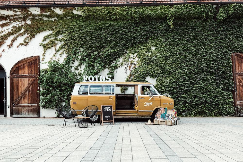 Jimmy-Fotobus-Fotobulli–Fotobox-Startseite-V03.jpg