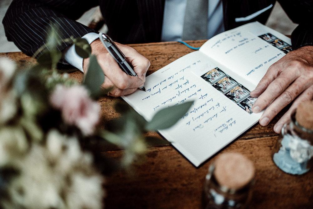 Fotobus Jimmy Fotostreifen Fotoautomat Hochzeit Gästebuch