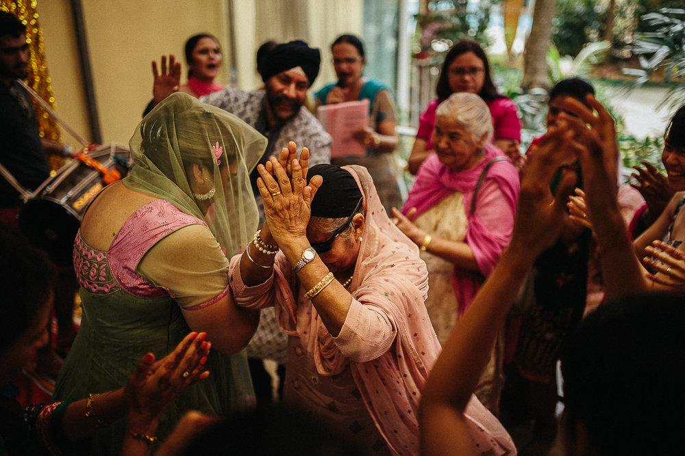 Punjabi wedding photographer (68 of 150).jpg