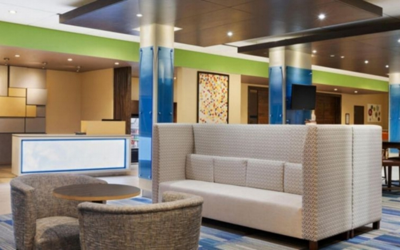 Holiday Inn Express   2523 South Franklin  Kirksville, MO 63501  1-660-956-4682   Book Online