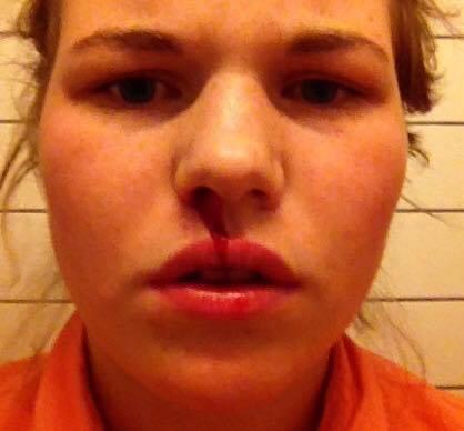 Ylva Gulpinar- fele  Ylva har utdanning i folkemusikk fra Høgskolen i Sørøst-Norge, avd. Rauland. Hun slutta å blø neseblod i fjor, men leiter fortsatt etter det søte liv i krysningen mellom bjørgumspel og toradertrioen.