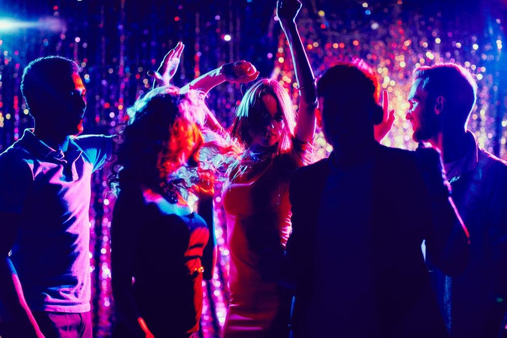bigstock-Group-of-guys-and-girls-dancin-103739162.jpg