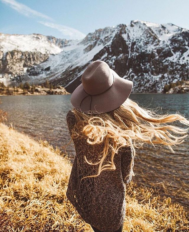 Oh @stephanie_danielle. Giving us windswept wanderlust on a Saturday. | #PrettyGirlsHike 📷@zack.buras