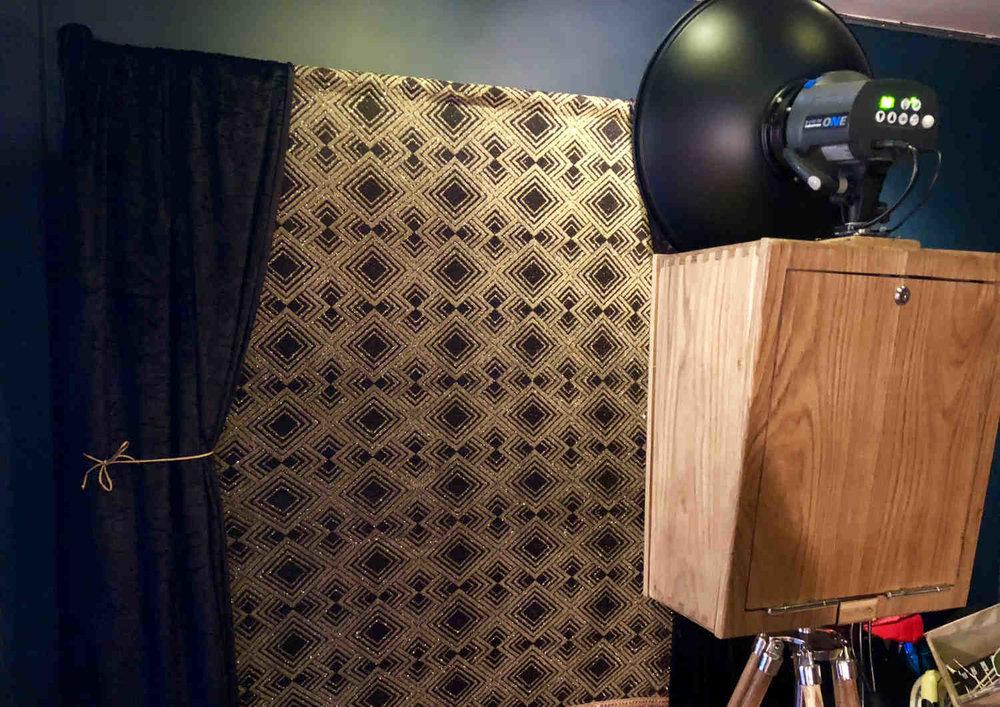 SnapStation Photo Booth - Art Deco backdrop.jpg