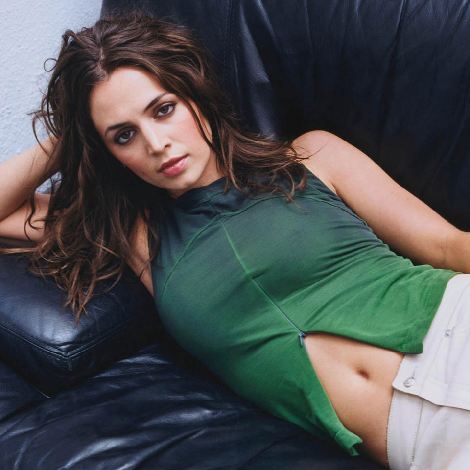 Eliza Dushku Breast Implants