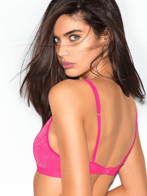 9f54cb957b20b Review  Victoria s Secret Rose Lace Plunge Bra — Reviews