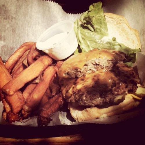 Gabbys-Burger-and-Fries1.jpg