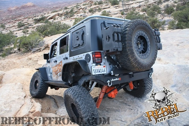 jeep jk off-roading.jpg