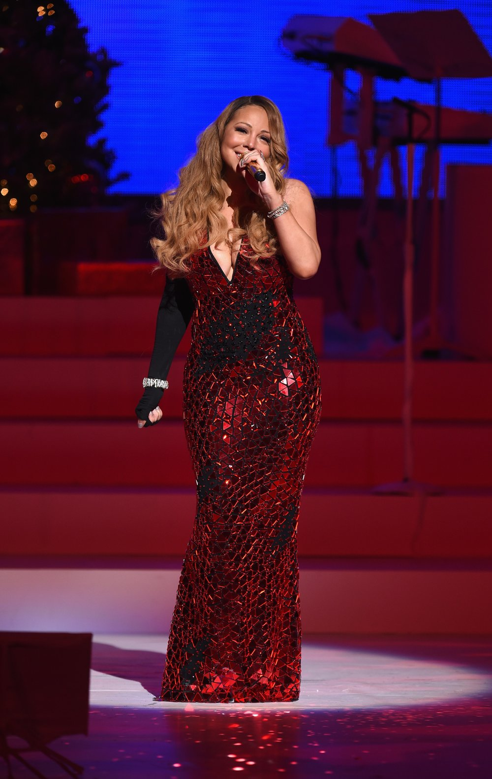 Mariah Carey performing at the Beacon Theatre on December 15, 2014 in New York City