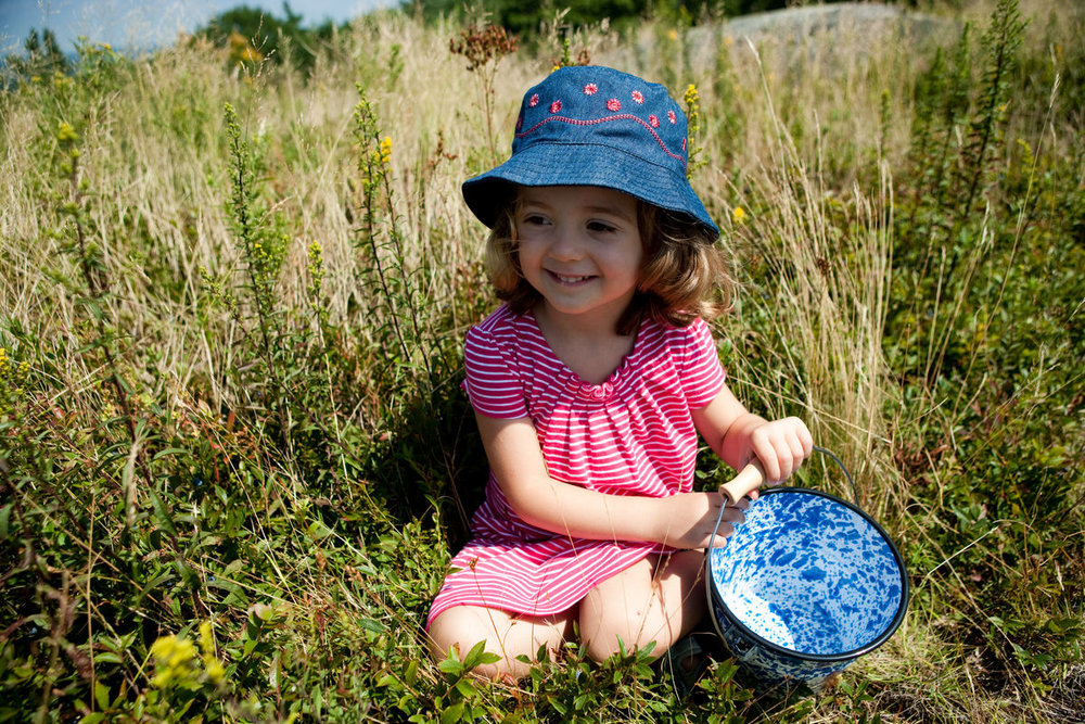 blueberry_picking_portrait_0003.jpg