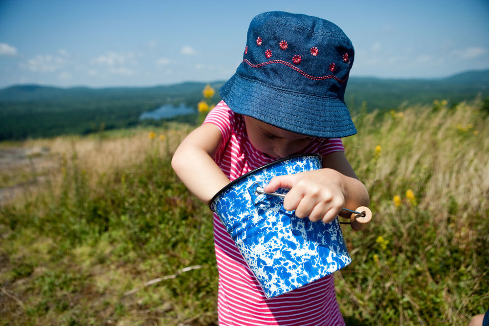blueberry_picking_portrait_0004.jpg