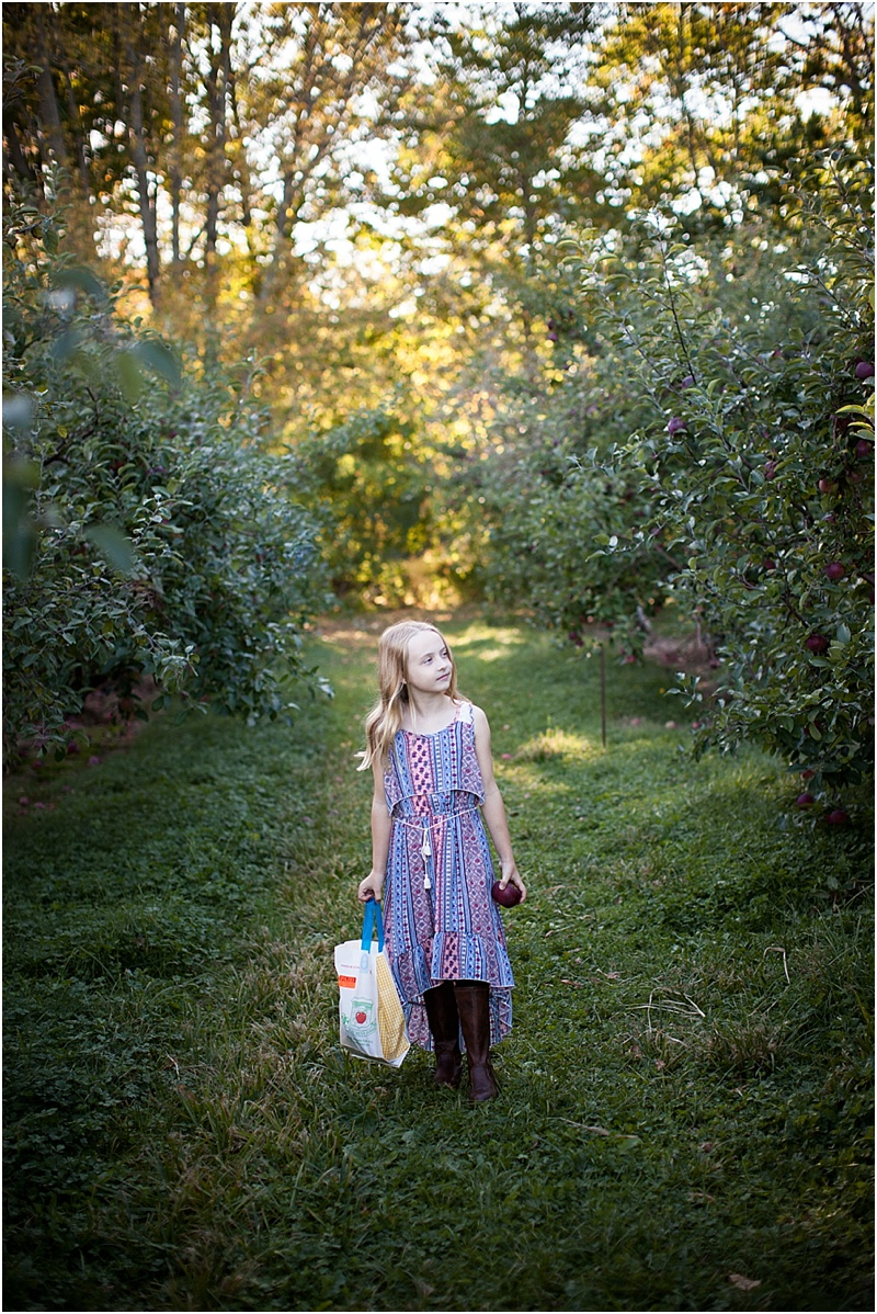 apple-picking-girl-new-england.jpg