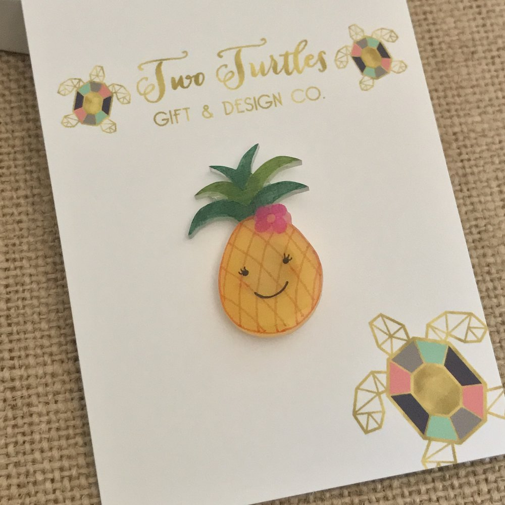 Handmade Happy Pineapple Pin - This bright and happy pineapple is an adorable accessory to add to your hat, bag, jacket or tee.