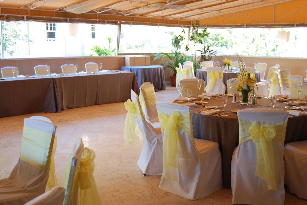 Reception-Setup_Gara-Hornung-11.03.12.jpg