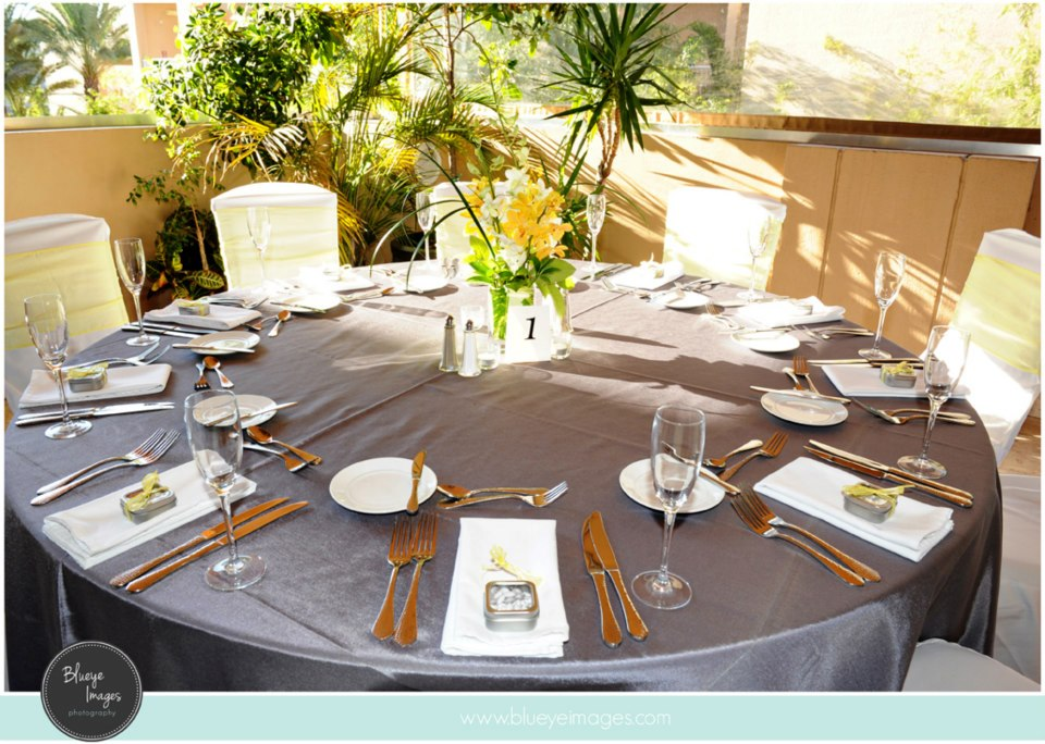 Table-Setup_Gara-Hornung-11.03.12.jpg
