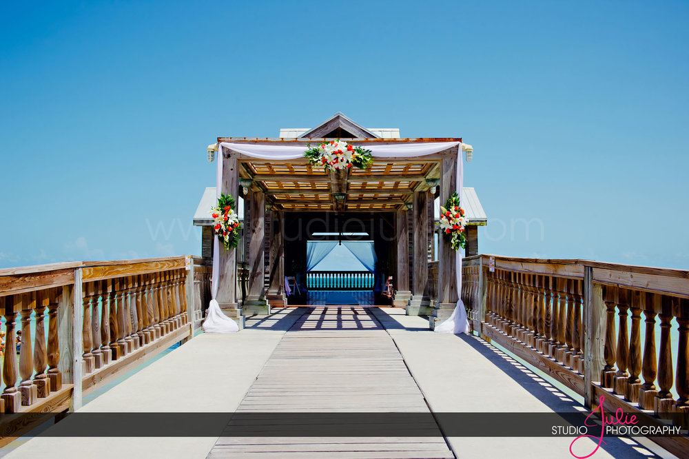Stephanie + Ian, Reach Resort + Casa Marina Resort Wedding-13.jpg