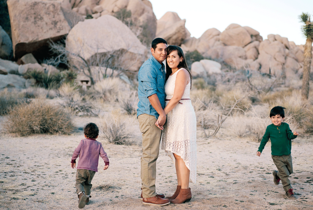 Joshua-Tree-family-portrait-film-photographer-inland-empire-modern-vintage-photography.png