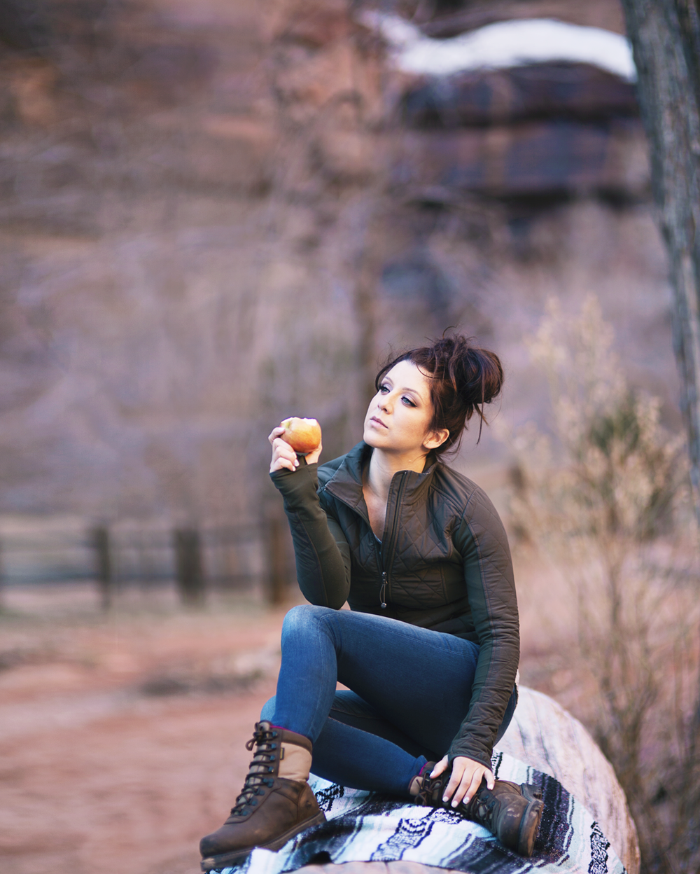 outdoor lifestyle branding photography hiking girl with apple in zion.png