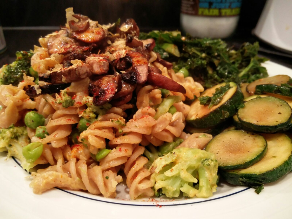 Cheesy Pasta with Sauteed Kale, Courgette & Mushrooms