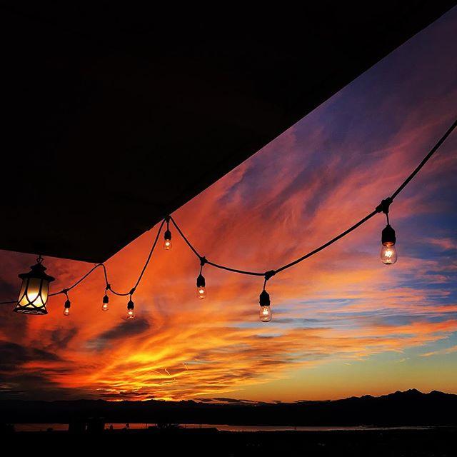 #amazingsunset #lakehavasu #phototour #hiddenwondersphototours #kimtinuviel #kimtinuvielartist