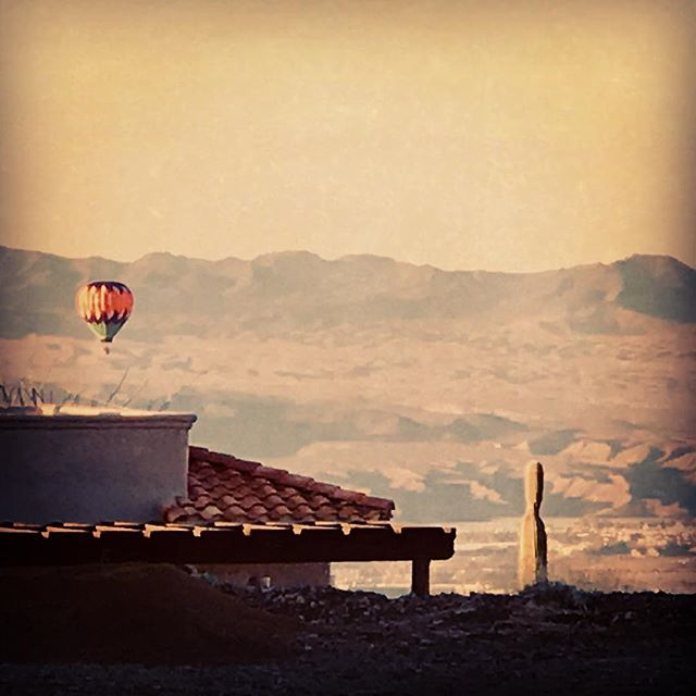The Lake Havasu Balloon Festival begins tomorrow... three days of great photo opportunities! Join me on a Hidden Wonders Photo Tour during the festival. #hotairballoons #lakehavasu #lakehavasuballoonfestival #hiddenwondersphototours #arizonaphotographer