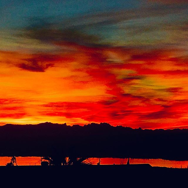 Havasu Sunset. #lakehavasu #arizona #kimtinuviel #kimtinuvielartist #arizonaphotographer #hiddenwondersphototours