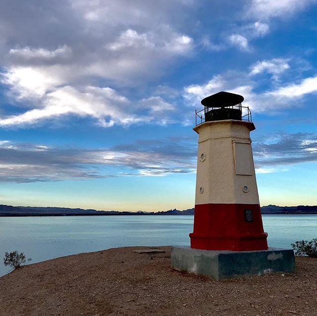 December desert skies. ©️2018 Kim Tinuviel, www.kimtinuviel.com #lakehavasu #lakehavasucity #lighthouse #arizona #kimtinuviel  #kimtinuvielartist