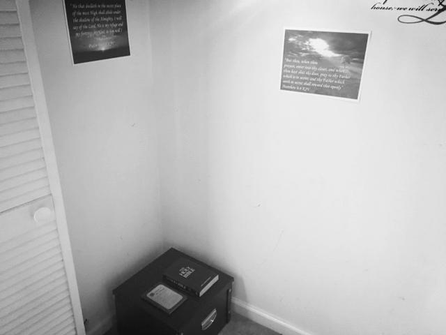 An example of the Prayer Closet Kit set-up.