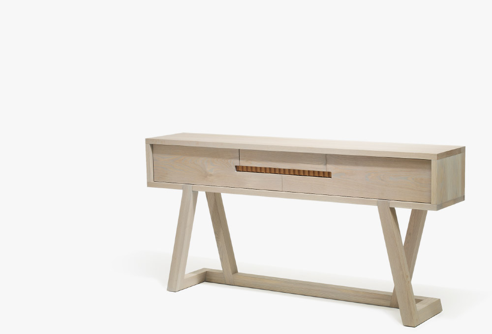 Umber Console .