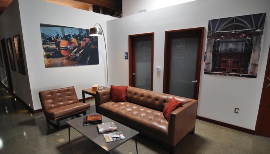 lounge area-a.jpg