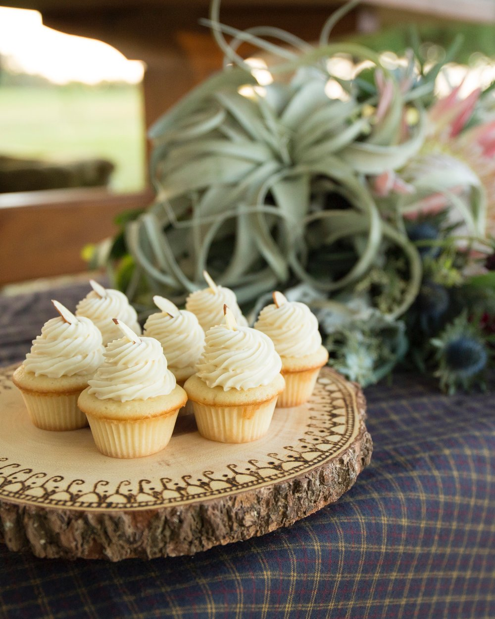 Cupcakes on wooden plate.jpg