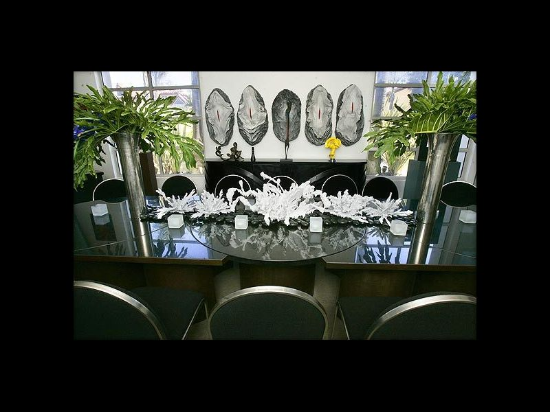 LA_Times_Goldestein_Residence_Dining_Table.jpg