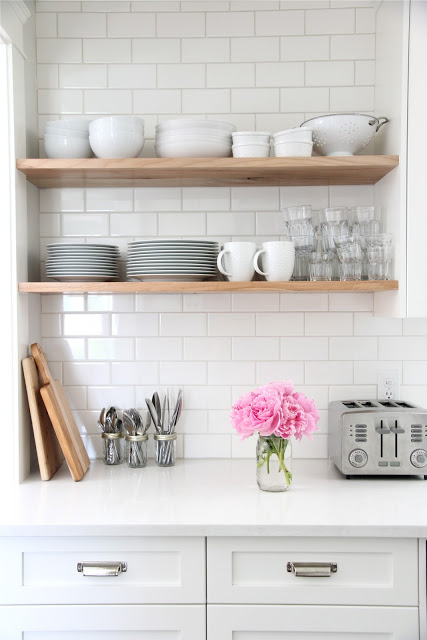 I n s p i r a t i o n: subway tile and shelves...
