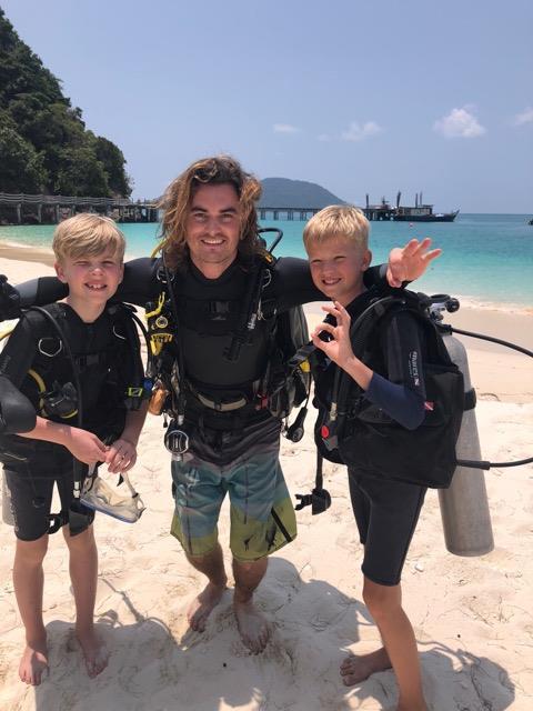 dive family.jpg