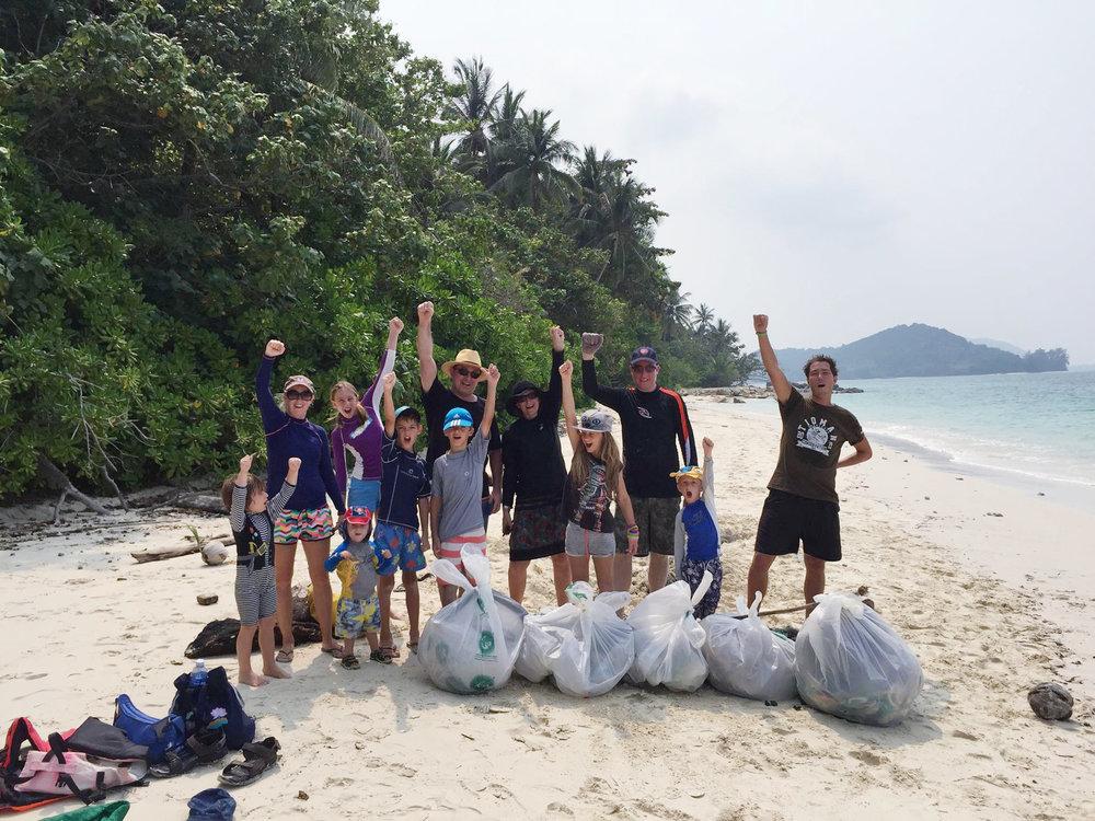 beach clean up 7.jpg