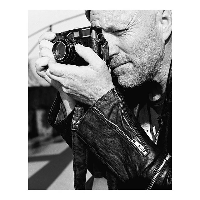 Our Artist Spotlight for this month will focus on none other than, Robbie Jeffers (@robbiejeffers). You may have seen his work in our first print issue released this July. We want you, the readers, to get to know him as a photographer and teacher so you can decide to join us in our upcoming workshop on September at @leicastoredc w/ @202filmcollective. Link in our bio. Film photography by @be_tn