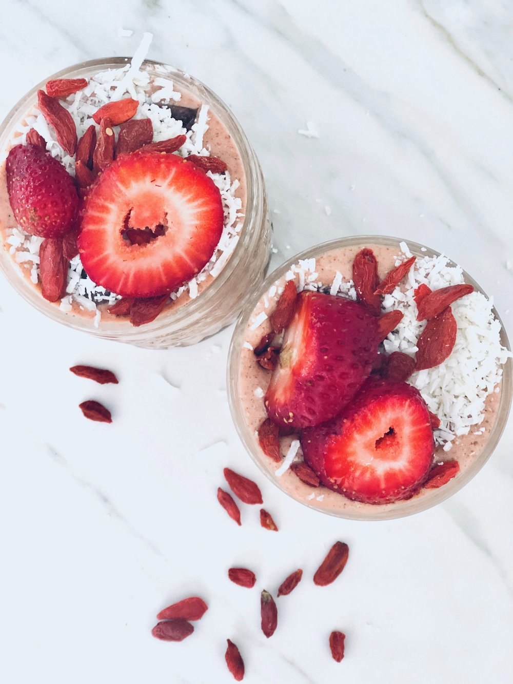 - Ingredients1 cup almond mylk 1 serve of protein 1 serve of collagen1 heaped tsp hazelnut butter 1 carrot1 passionfruit½ banana and frozen strawberries 2 tbs chia MethodBlend ingredients and add your fave toppings (fresh strawberries, cacao nibs) . ENJOY!