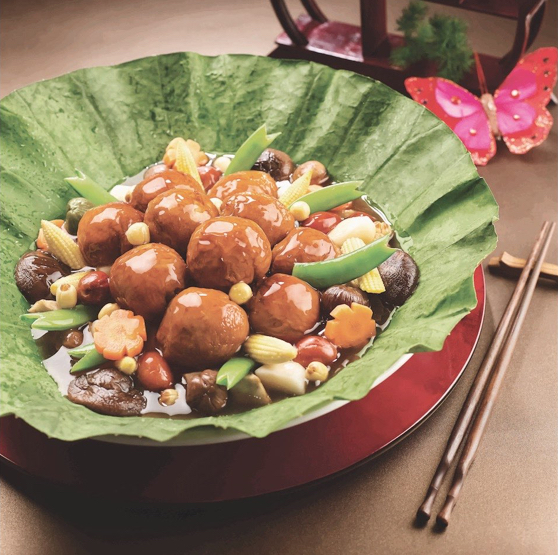 Chinese Banquets Choose from up to 168 exquisite Chinese banquet dishes.