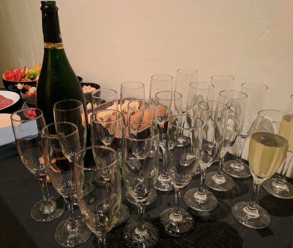 Shalon champagne flutes 1.jpg