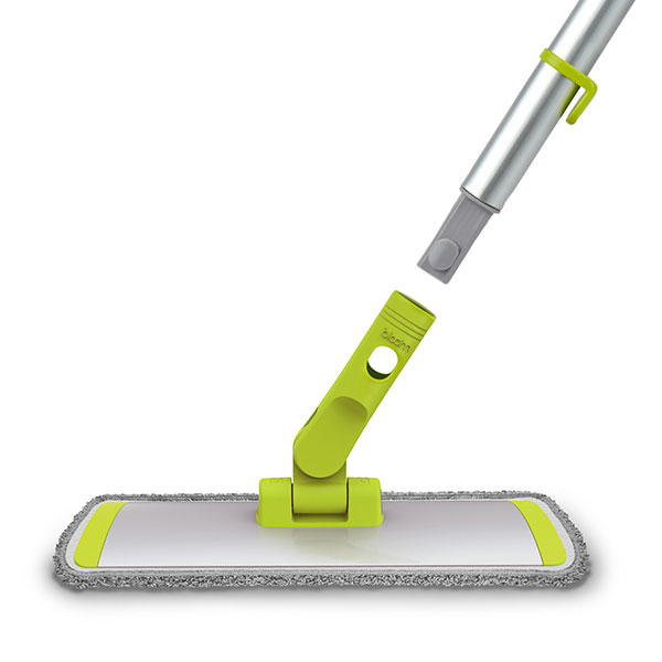 Telescopic Flat Mop - Super absorbent , washable microfibre cover.Picks up dirt with minimum of water giving fast drying.Perfect for all floor type.Pivoting wide head to reach all those difficult places.Replaceable microfibre cover.Rugged telescopic aluminium handle.Adjusts from 57cm – 123cm.Quick , easy lock , unlock system.Collapses and clips to Bloom bucketfor easy storage.Product Code - BLMTELEFMOPInner Carton Qty - 4Master Carton Qty – 24