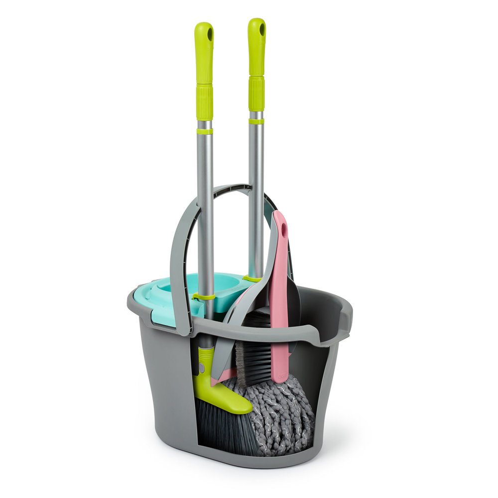 Marvellously Modular - Each item of the Bloom range slots together to either the Bucket Wringer or Caddy to create one master unit.