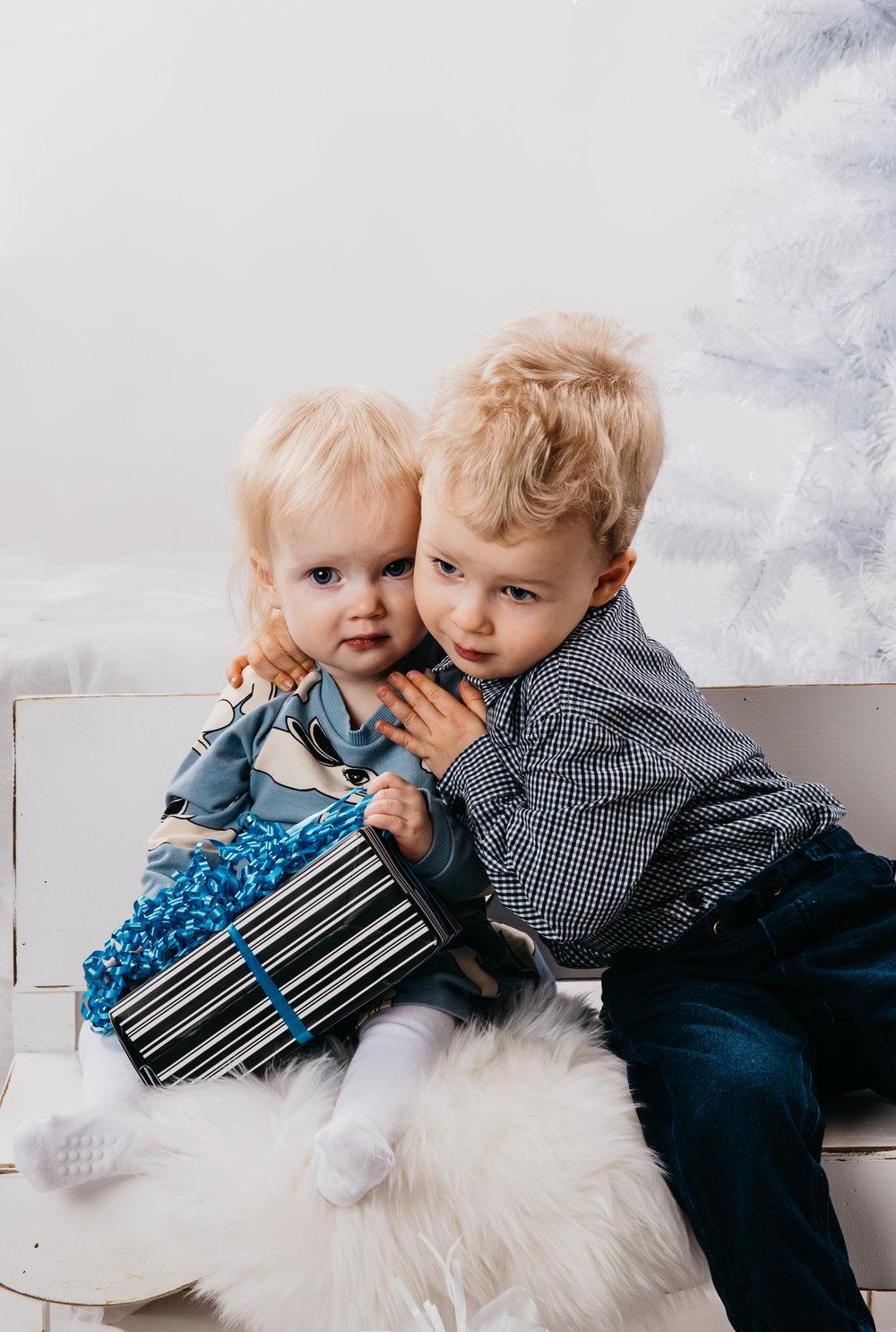 joulukortti_Anni&Veikko_2-1230.jpg