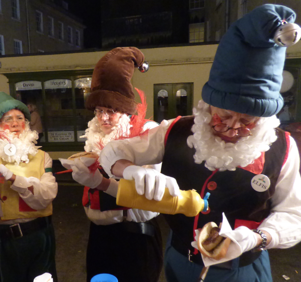 christmas-elves-at-bath-christmas-market.jpg