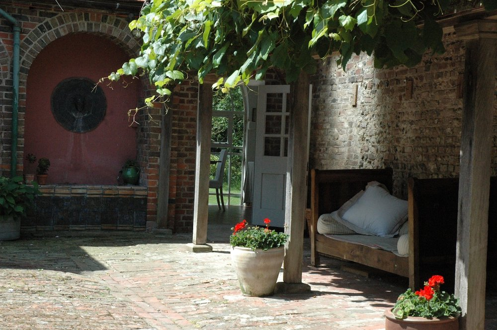 Courtyard Daybed.JPG