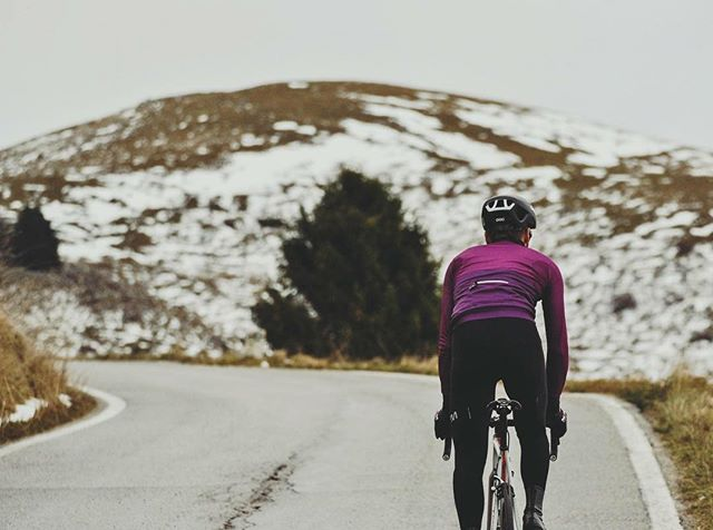 -The sound of Silence-  #ridemem #rideinstyle #cyclingkits #igerscycling #vintagecycling #ridewithus #cyclingphotos #picoftheday #cyclingapparel #cycling #cyclinglife #violet #cyclingjersey #kitfitcycling #stravaphoto #cyclingchic #cyclingaddict #wtfkits #soundofthesilence #cyclingpics #cyclingshots #outsideisfree #ridehard #intothewild #lovecycling #instaphoto